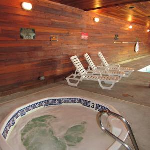 DL hot tub